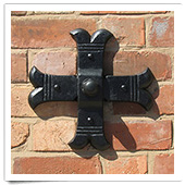 Short Cross Wall Plate